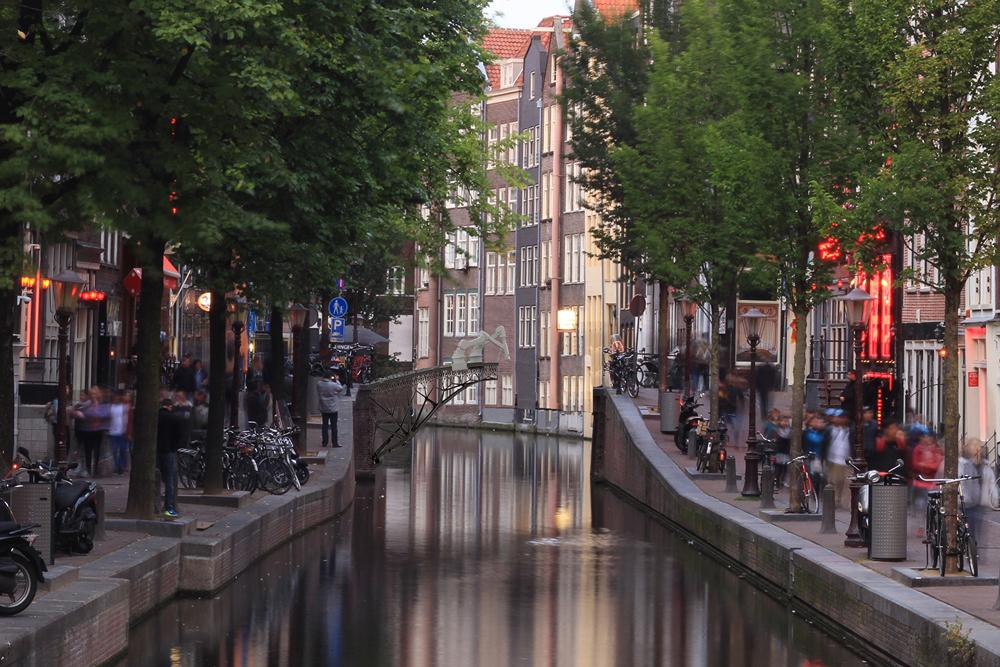 ponte de aço em Amesterdão