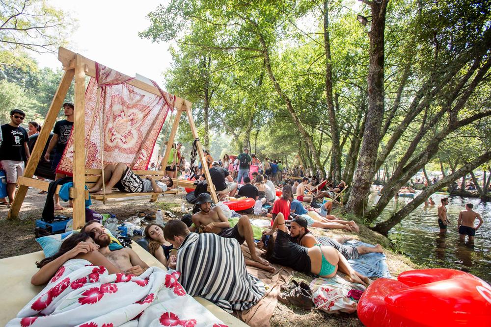 Vodafone paredes de coura 2015 jazz na relva com peixe for Paredes de coura festival