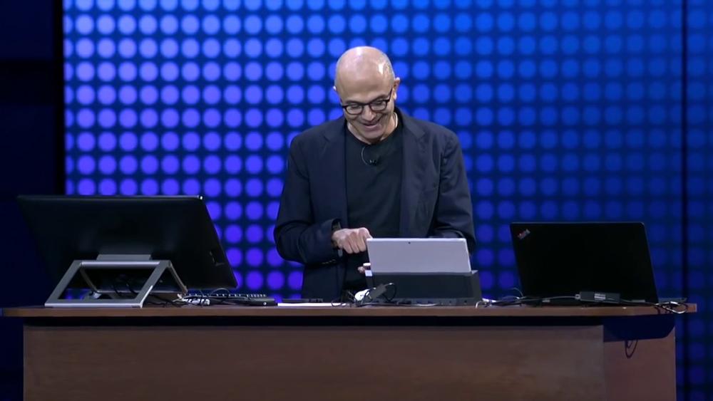 Satya Nadella, CEO da Microsoft iPhone Pro