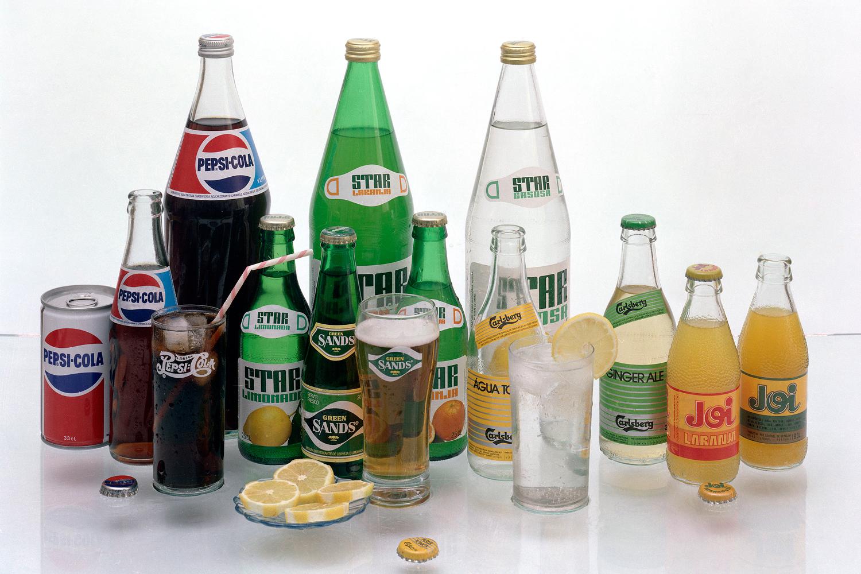 Refrigerantes de marcas como Pepsi-Cola, Star e Joi.