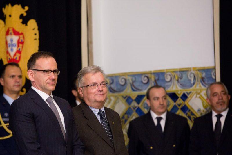 Luís Filipe de Castro Mendes, à direita, e Miguel Honrado, à esquerda, no dia da tomada de posse.
