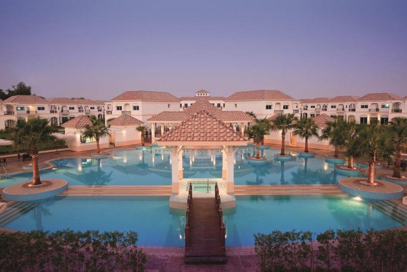 Movenpick Beach Resort, em Al Khobar, exemplo do luxo e ostentação árabes