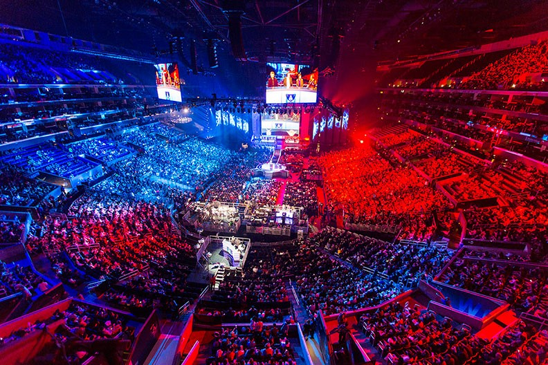 Campeonato Mundial de League of Legends no Staples Center (Los Angeles), 2013. Créditos: Riot Games