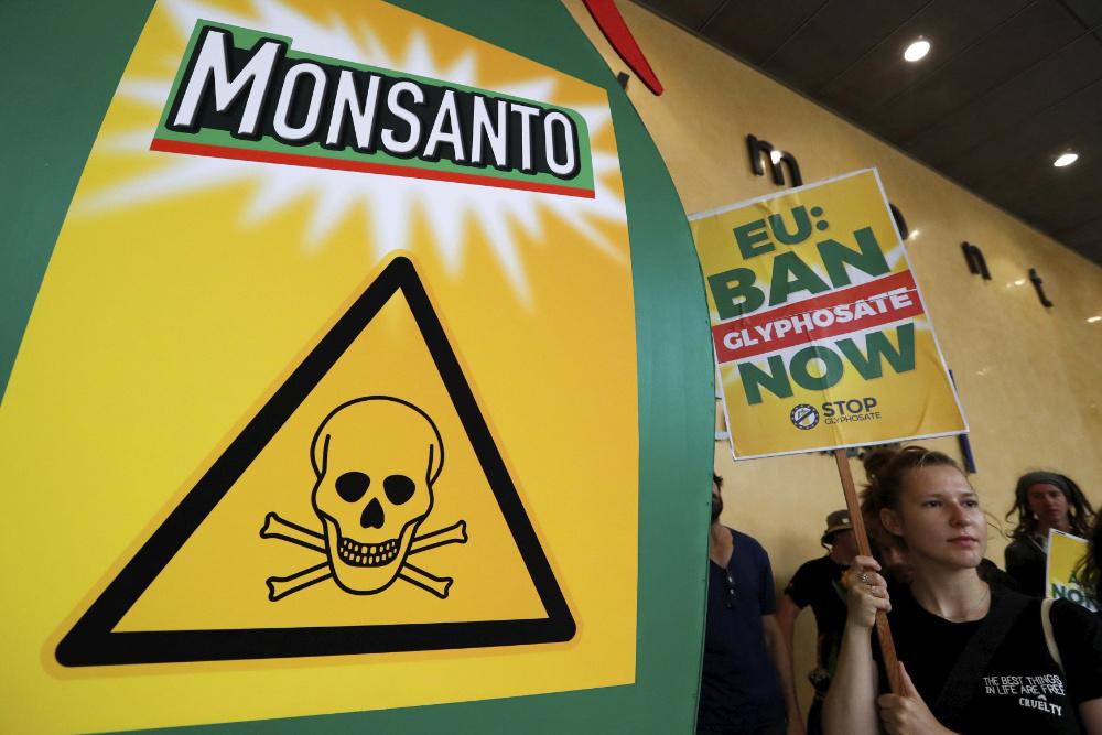 Protesto conta a Monsanto em Bruxelas, Julho de 2017 (foto de: Yves Herman/Reuters)