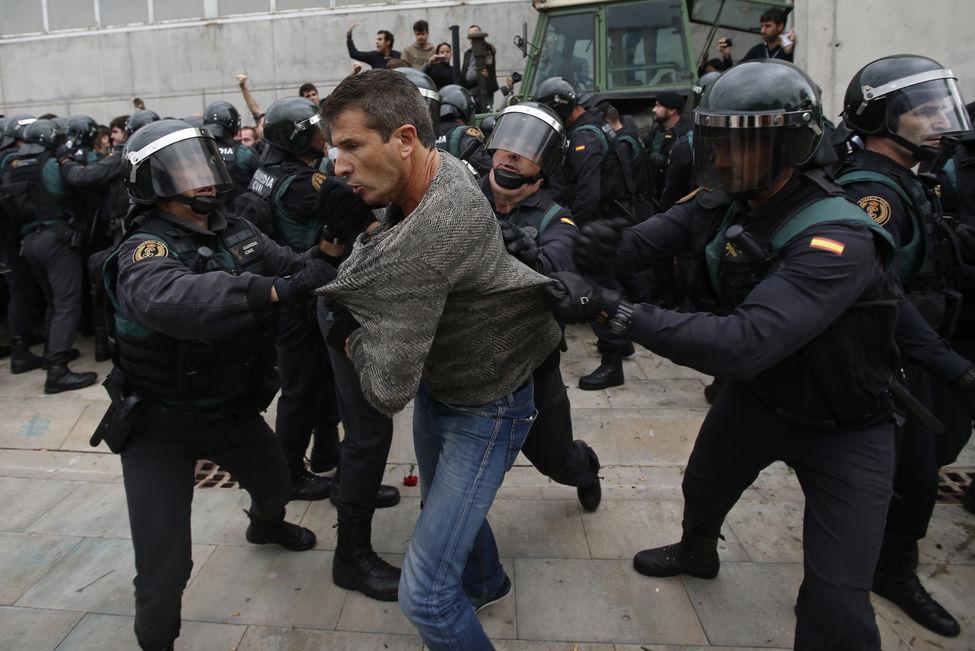 Resistência no pavilhão de Sant Juliá de Ramis, Girona. Créditos: AP Photo/Emilio Morenatti