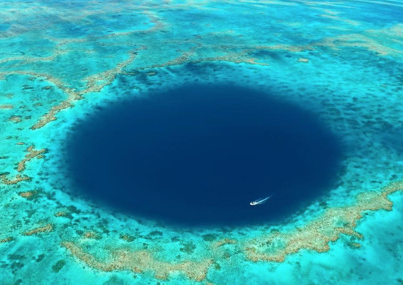 Um Misterioso Buraco Na Grande Barreira De Coral