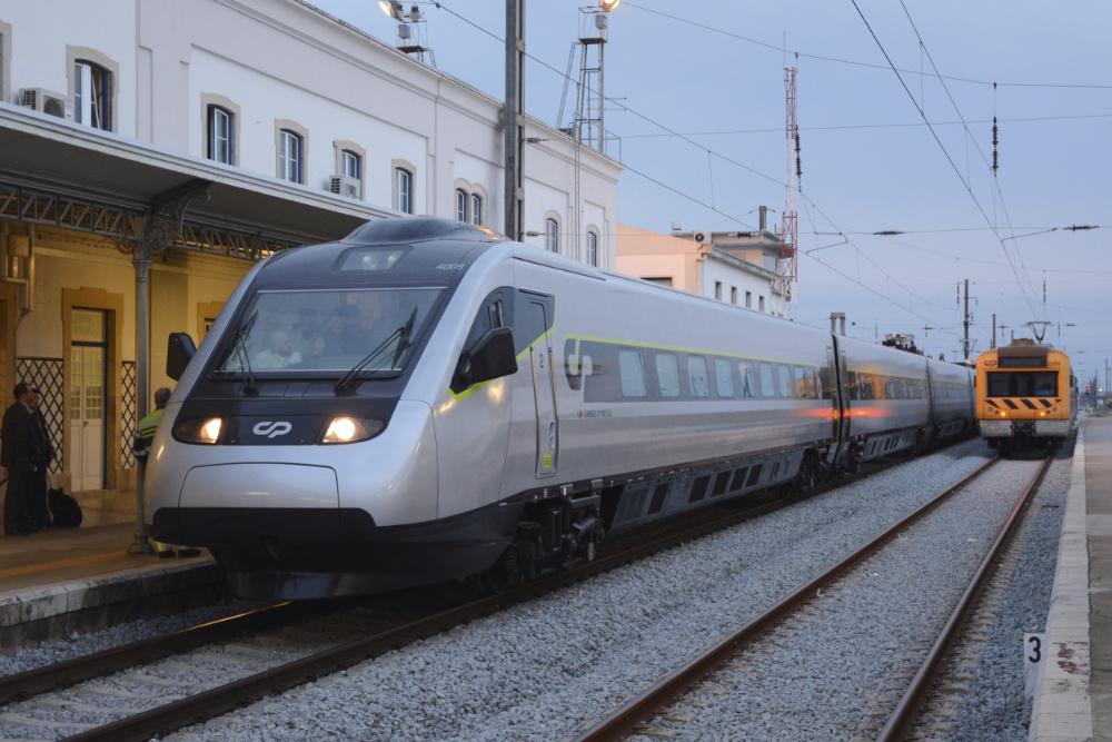 Comboios de Portugal Porto
