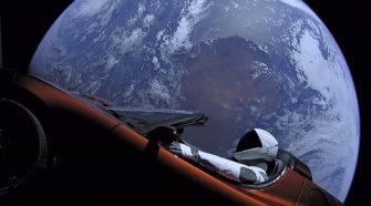 SpaceX Falcon Heavy Elon Musk Tesla no espaço
