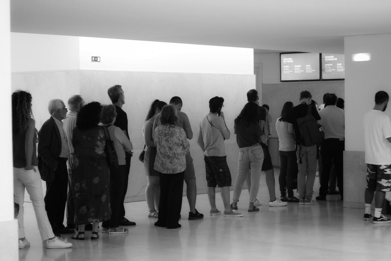 À entrada da exposição de Mapplethorpe, em Serralves (foto de Jorge Félix Cardoso/Shifter)