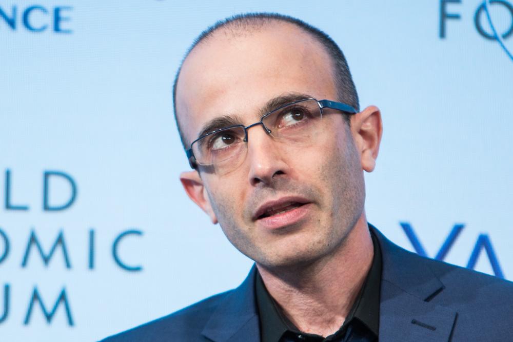 Yuval Noah Harari no World Economic Forum (foto de Sikarin Thanachaiary/World Economic Forum)