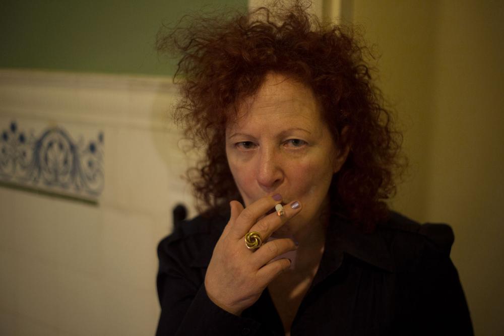 De vítima a activista: luta de Nan Goldin contra os opioides começa pela arte