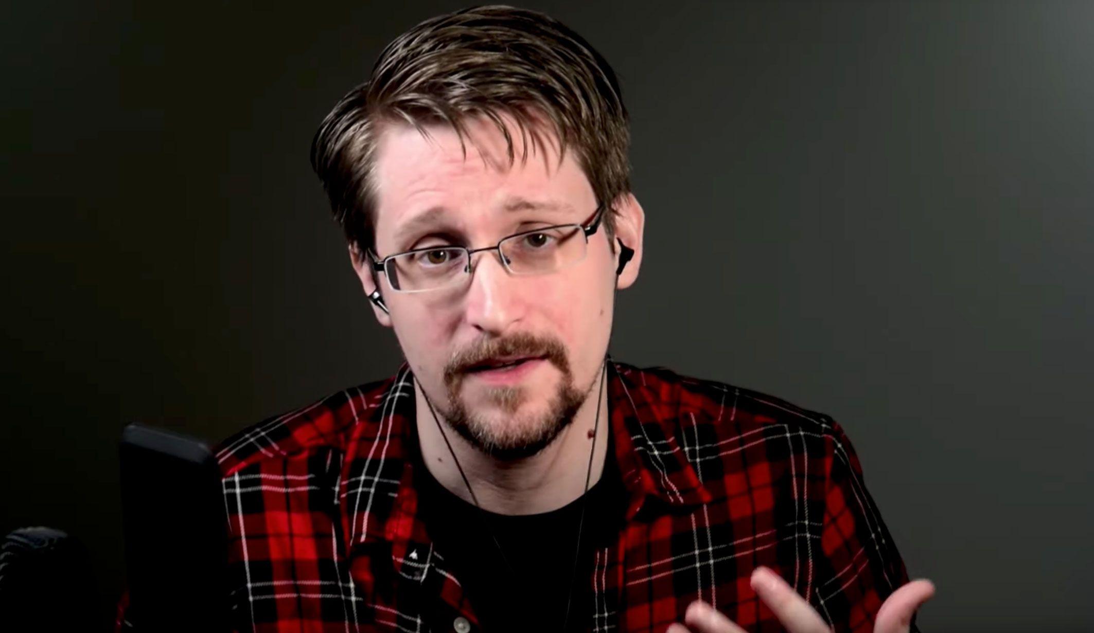 Resultado de imagem para Edward Snowden