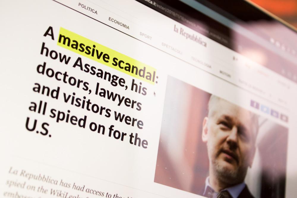 La Repubblica revela como Assange e todos os que o visitaram terão sido espiados