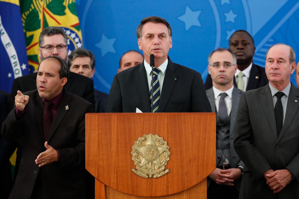 Pronunciamento de Jair Bolsonaro na sexta-feira, 24 de Abril (foto de Alan Santos/Palácio do Planalto via Flickr, CC BY 2.0)