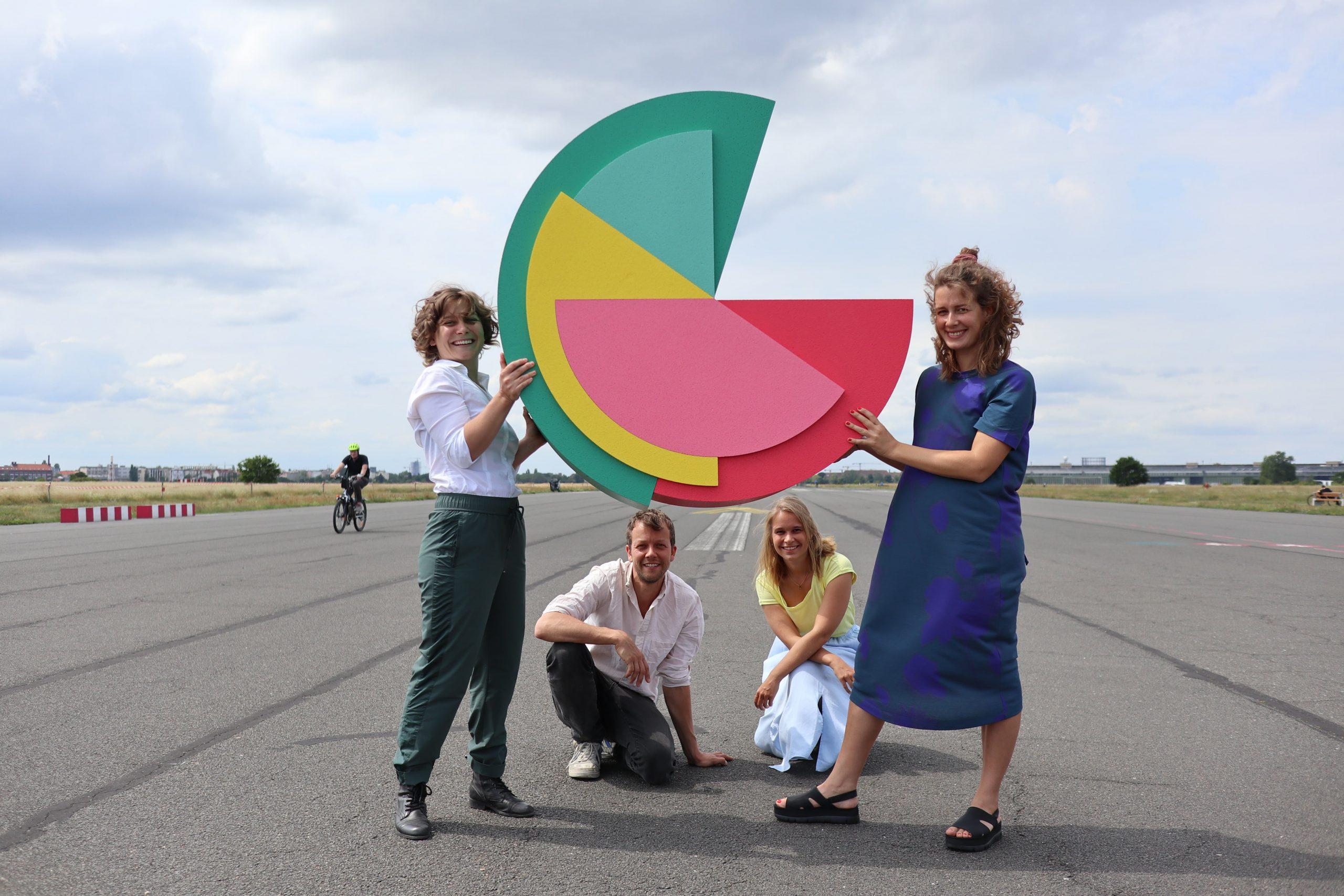 A equipa de investigadores que irá testar o RBI na Alemanha (foto via Mein Grundeinkommen/divulgação)