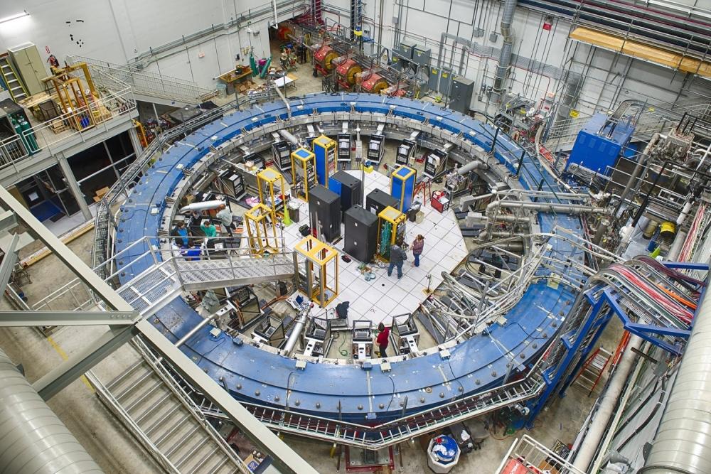 1920px-Fermilab_g-2_(E989)_ring